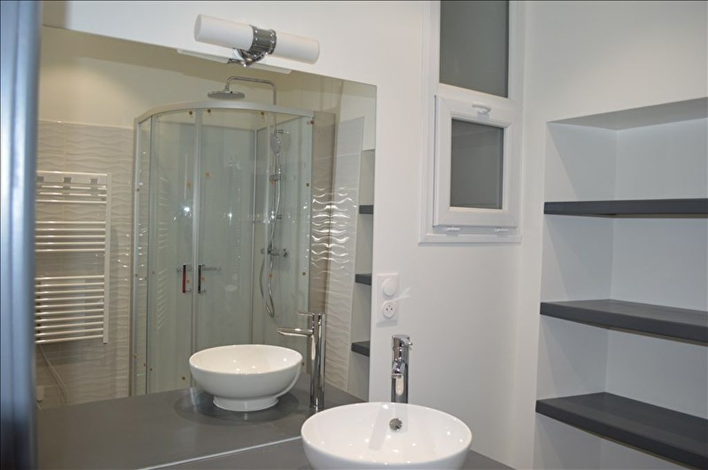 APPARTEMENT RENOVE YENNE - 3 pièce(s) - 65.74 m2 4/5